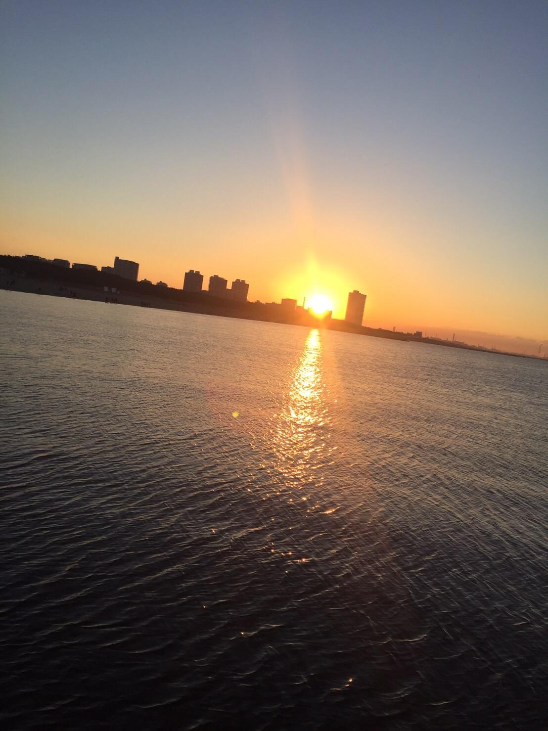 柳川「幕張の浜での初日の出」